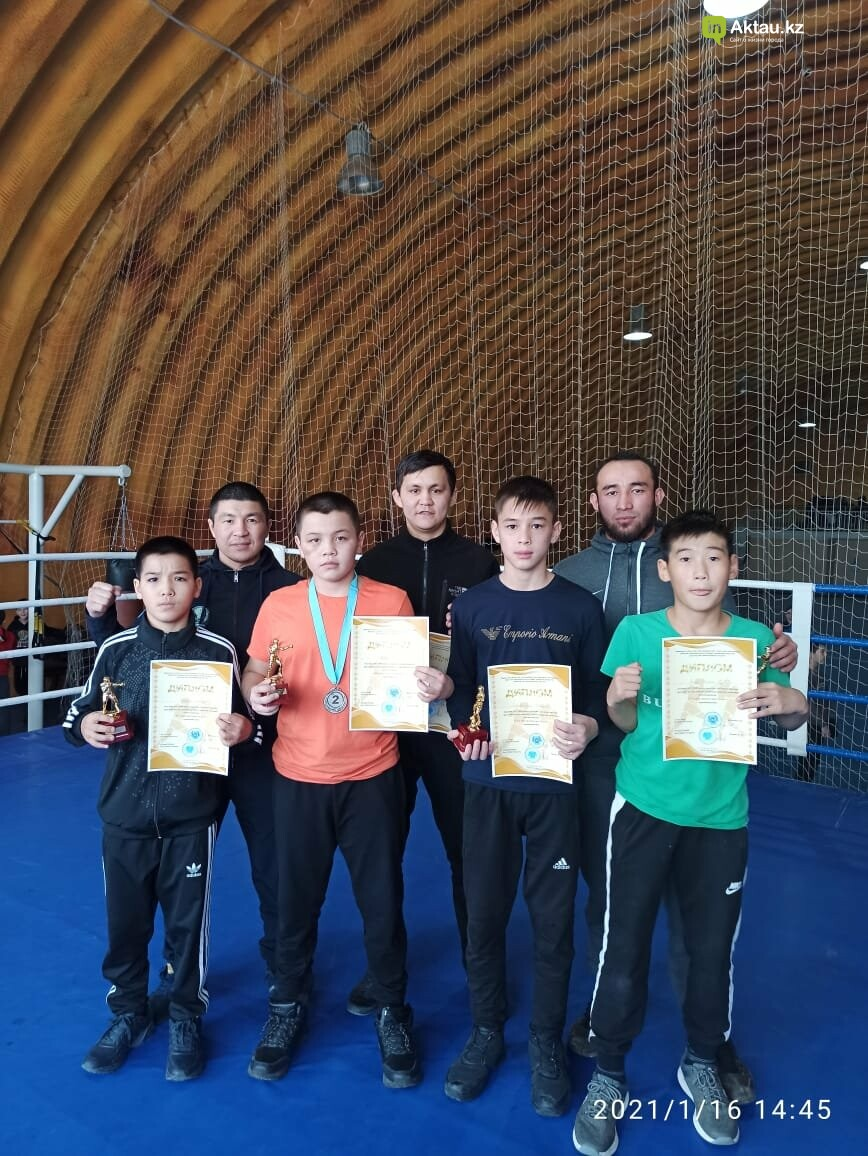 В Актау определили победителей областного турнира по боксу среди юношей, фото-1