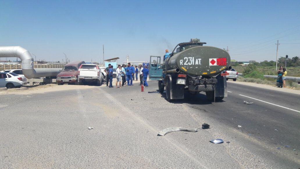 В Актау столкнулись четыре автомобиля (Видео), фото-1