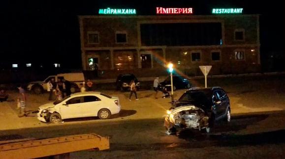 У супермаркета в Актау столкнулись два автомобиля (Фото), фото-3