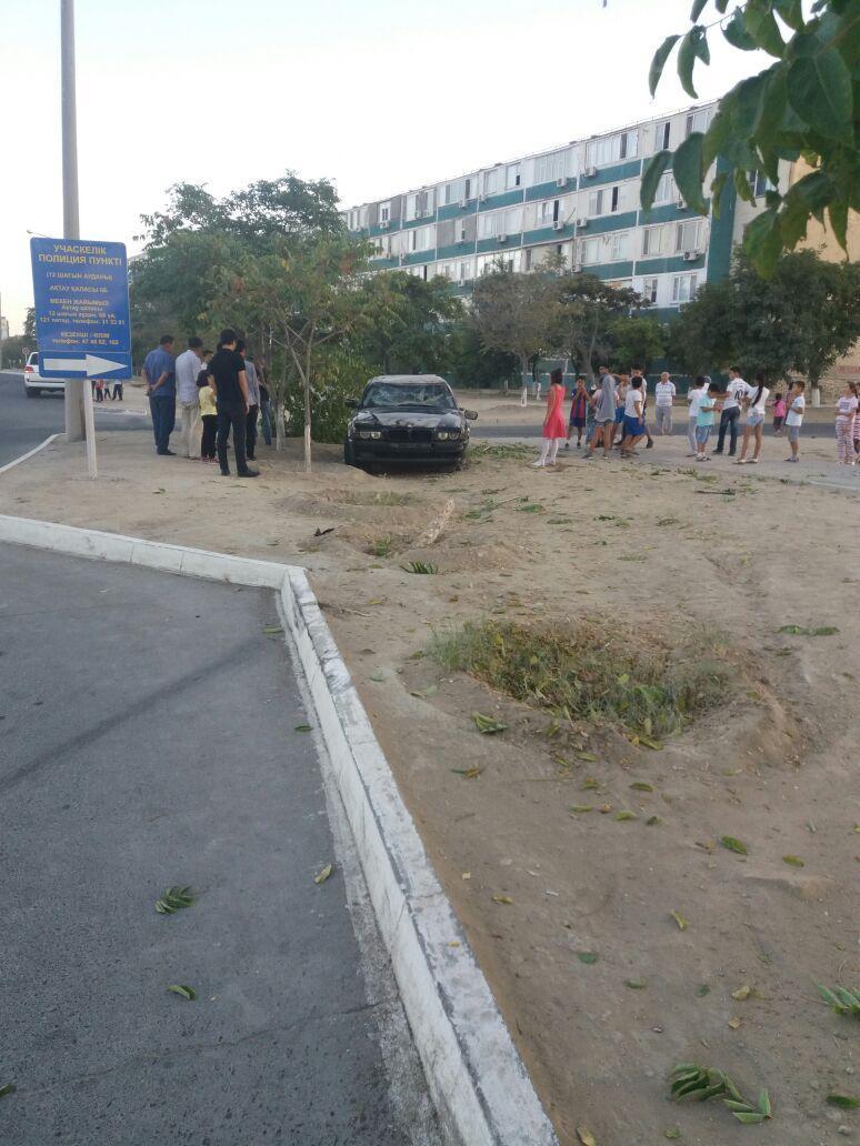 """В Актау перевернулся """"BMW"""" (Фото), фото-2"""