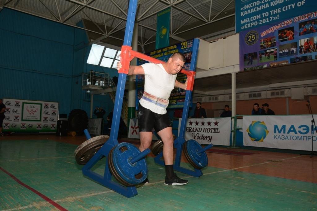 В Актау 11 силачей боролись за победу на чемпионате по Strongman, фото-7