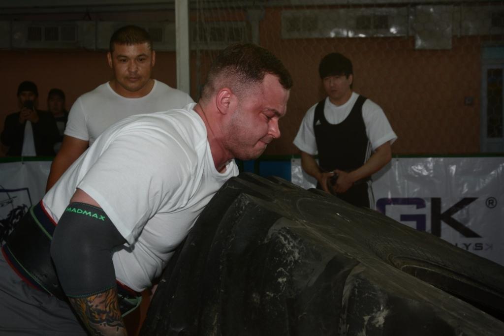 В Актау 11 силачей боролись за победу на чемпионате по Strongman, фото-17