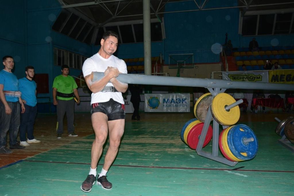 В Актау 11 силачей боролись за победу на чемпионате по Strongman, фото-10