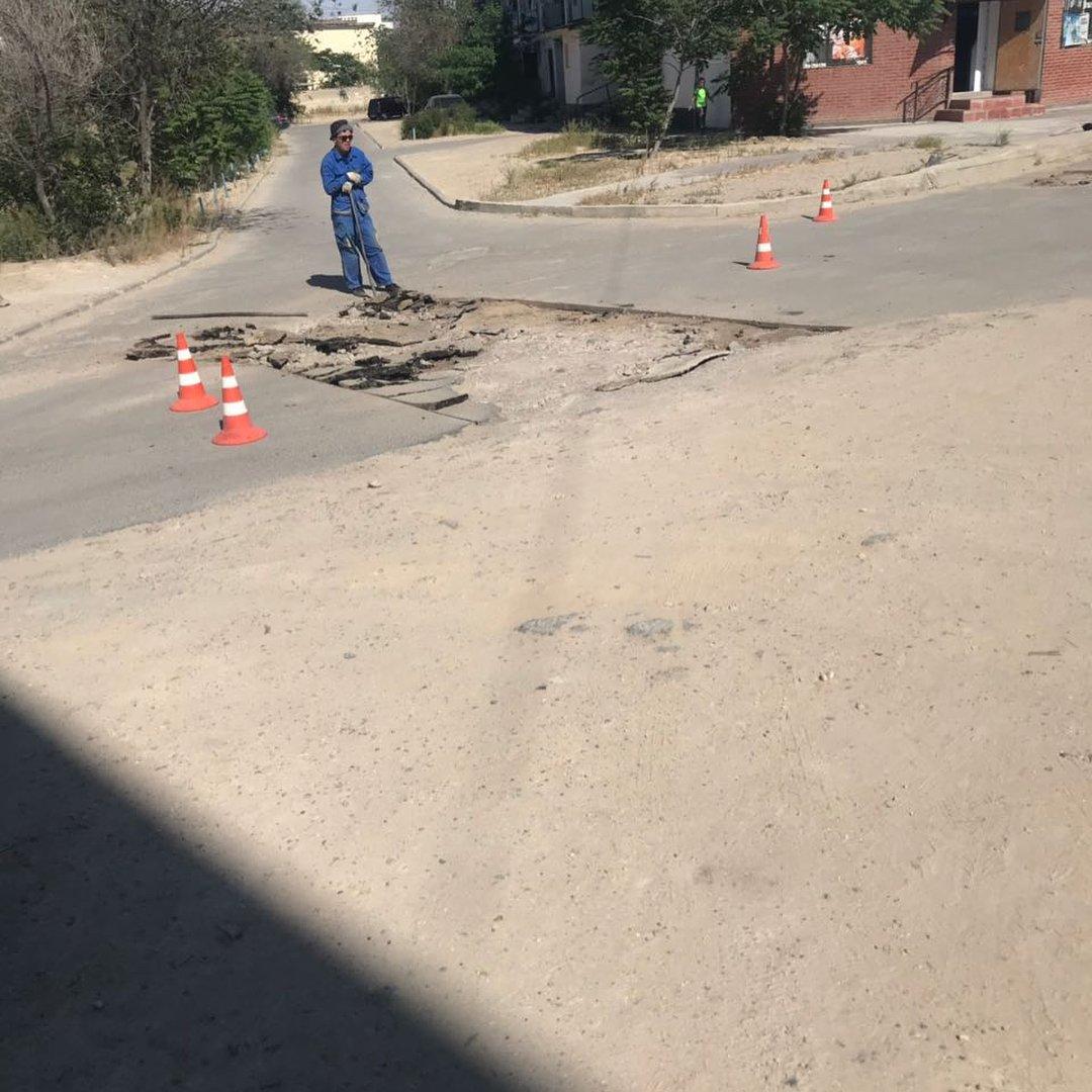 В четырех нижних микрорайонах Актау начался ремонт дорог (ФОТО), фото-3