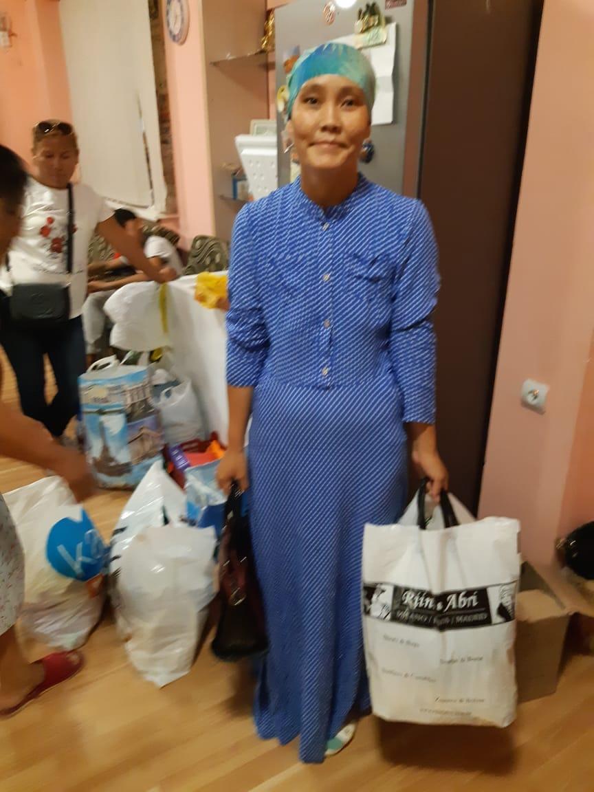 Малоимущим семьям в Актау раздали почти тонну одежды, фото-4