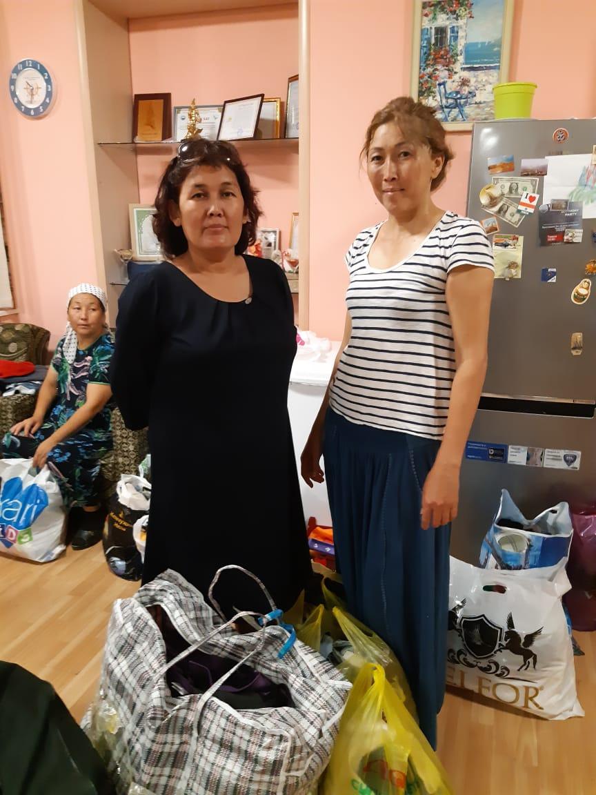 Малоимущим семьям в Актау раздали почти тонну одежды, фото-6