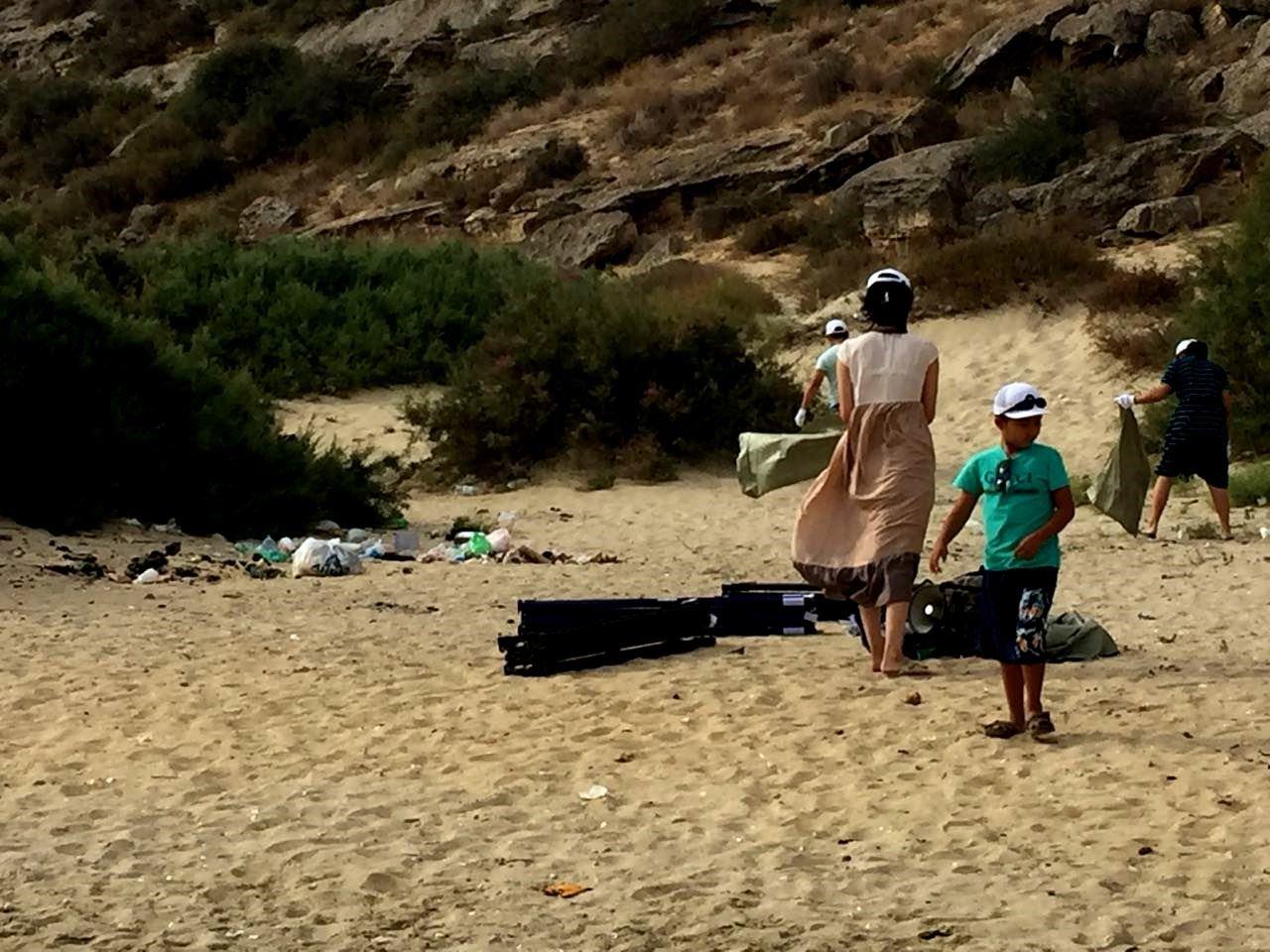 110 мешков мусора вывезли активисты с Голубой бухты, фото-2
