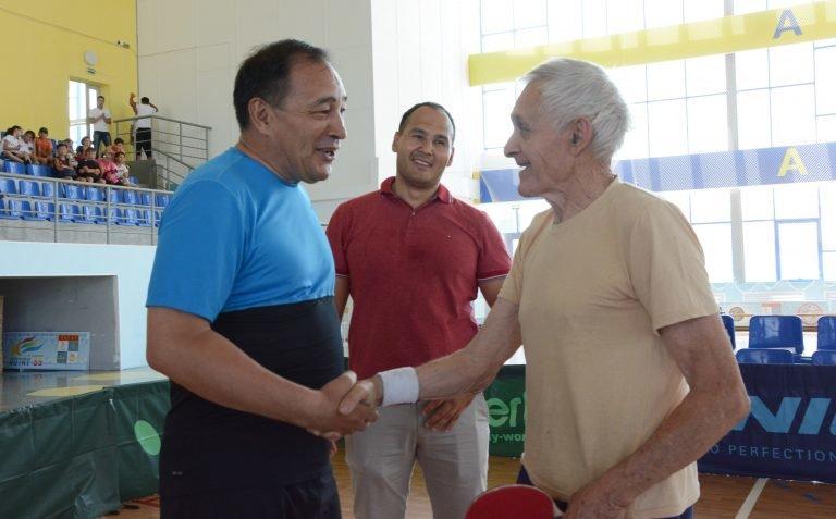 Спортсмен из Актау стал чемпионом РК на турнире по настольному теннису среди ветеранов, фото-1