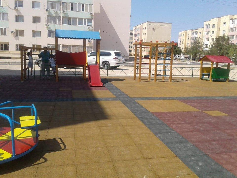 В двух микрорайонах Актау отремонтировали детские площадки (ФОТО), фото-7
