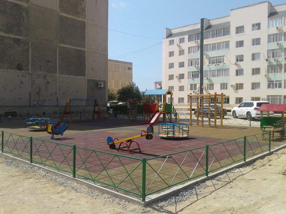 В двух микрорайонах Актау отремонтировали детские площадки (ФОТО), фото-9