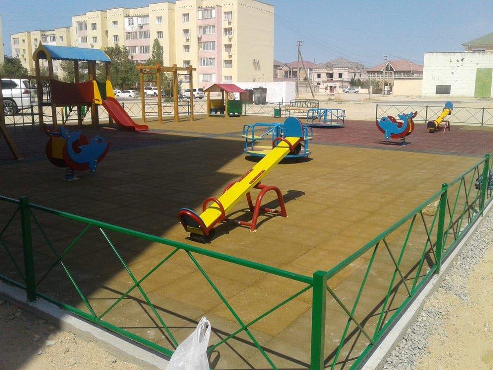В двух микрорайонах Актау отремонтировали детские площадки (ФОТО), фото-10