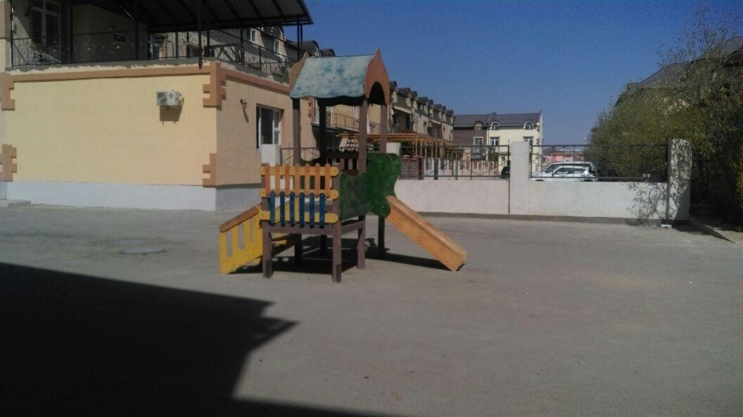 """Для детей-самоубийц: жители микрорайона """"Шыгыс-2"""" пожаловались на новую игровую площадку, фото-1"""