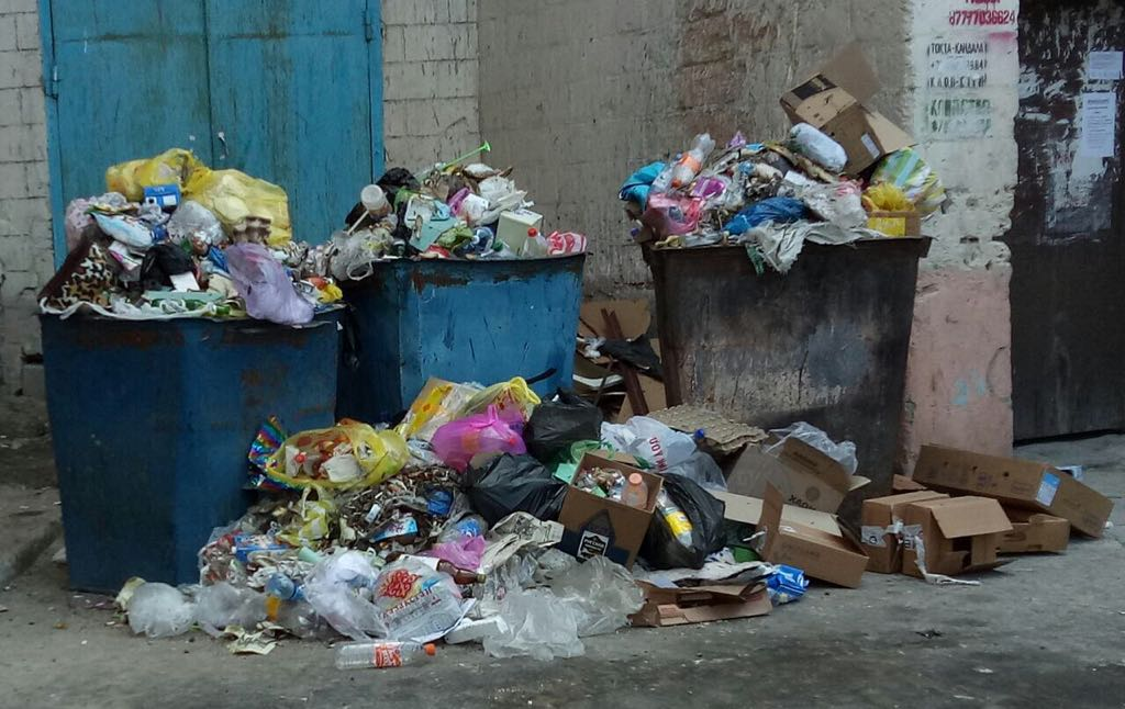 Актау утопает в мусоре и отходах по вине арбузов (ФОТО), фото-4