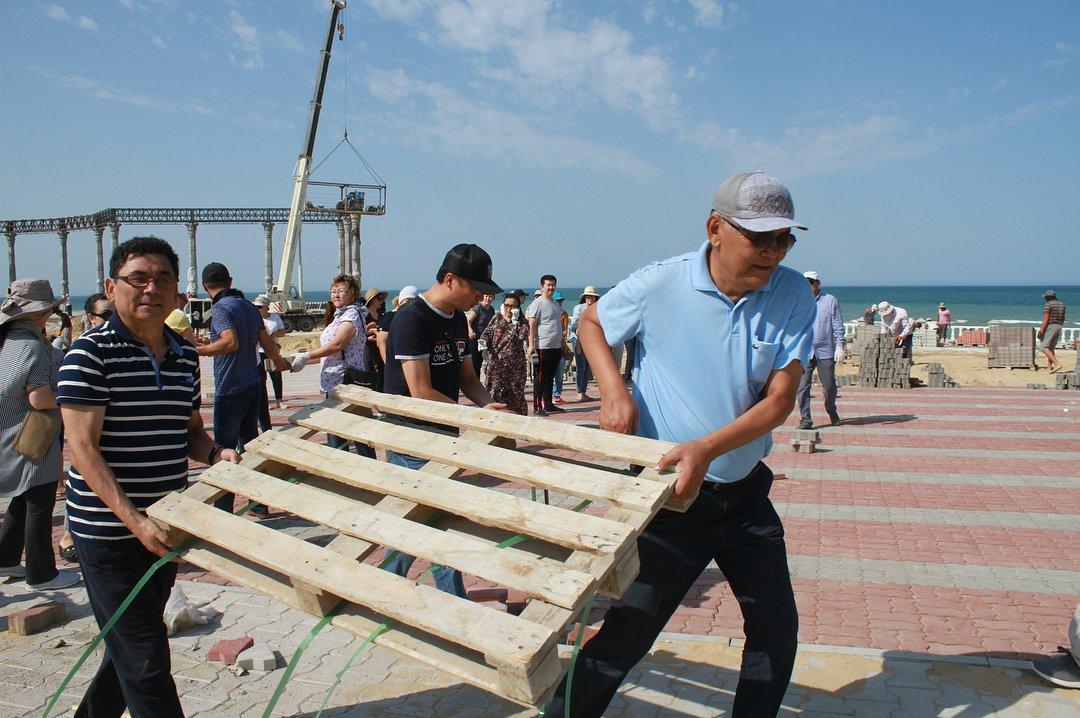 12 тонн мусора собрали госслужащие в Актау (ФОТО), фото-5