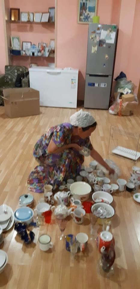 Семья из Актау пожертвовала нуждающимся целый грузовик необходимых в доме вещей, фото-2