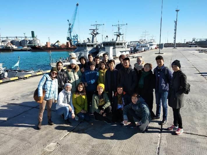 Актауским школьникам провели экскурсию на боевом корабле, фото-2