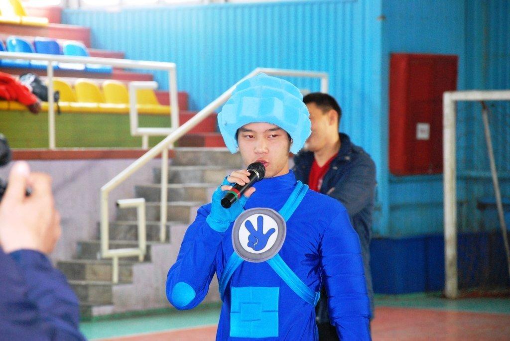 В Актау фанаты футбола организовали для детей благотворительную акцию, фото-12