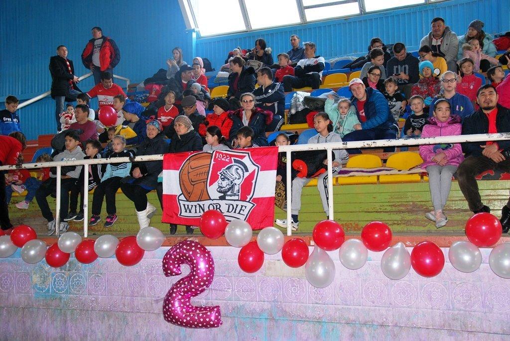 В Актау фанаты футбола организовали для детей благотворительную акцию, фото-26