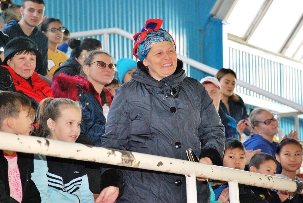 В Актау фанаты футбола организовали для детей благотворительную акцию, фото-4