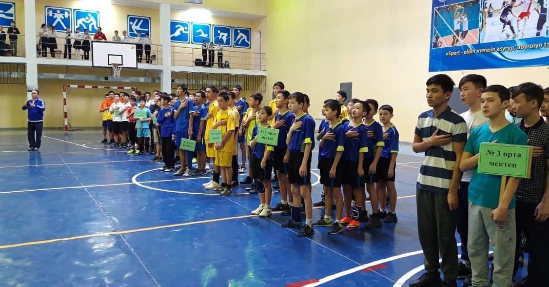Открытое первенство по гандболу прошло в Мунайлинском районе, фото-2