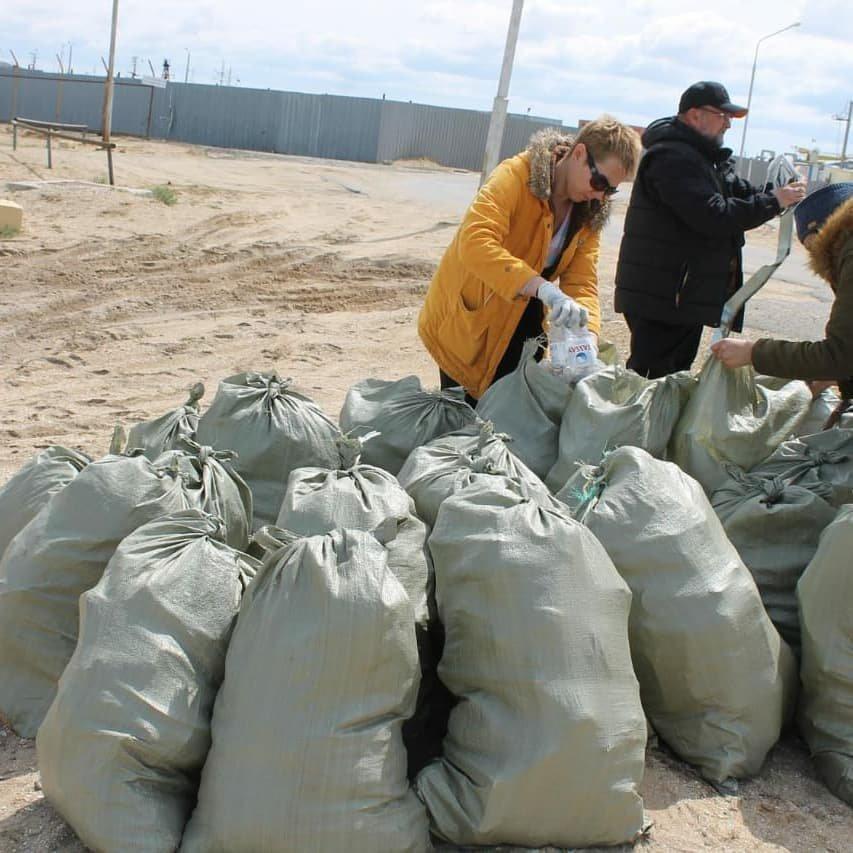 50 мешков мусора собрали волонтеры на пляже в Баутино, фото-4