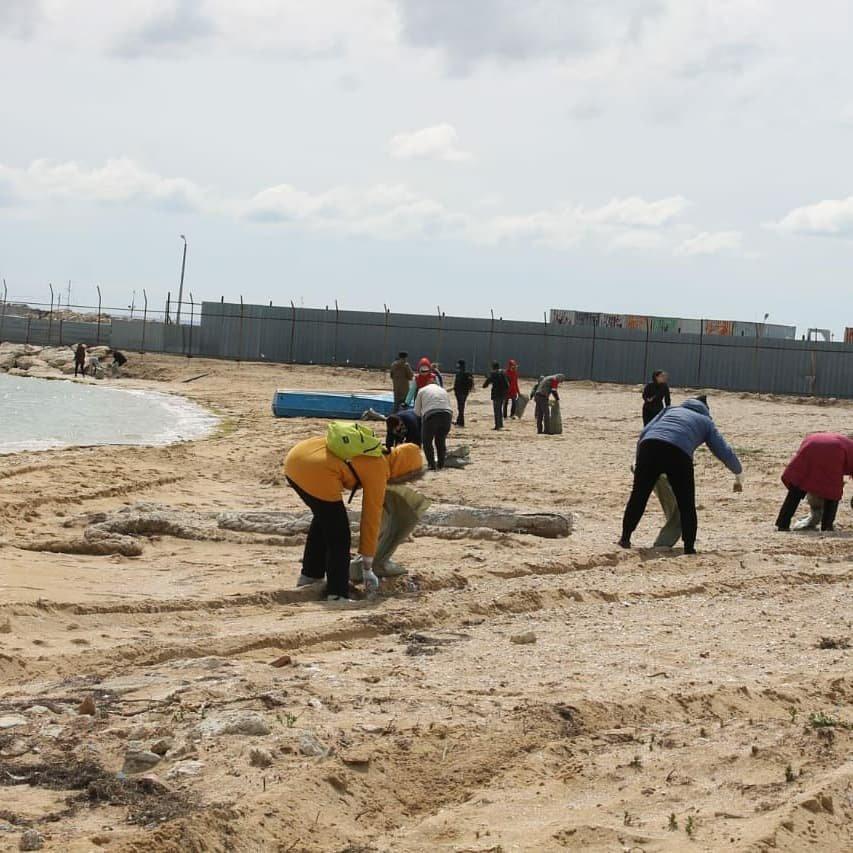 50 мешков мусора собрали волонтеры на пляже в Баутино, фото-7