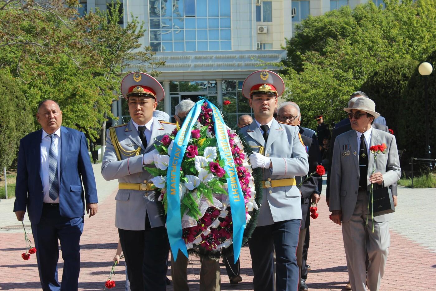 Полицейские почтили память ветеранов ВОВ в Актау, фото-7