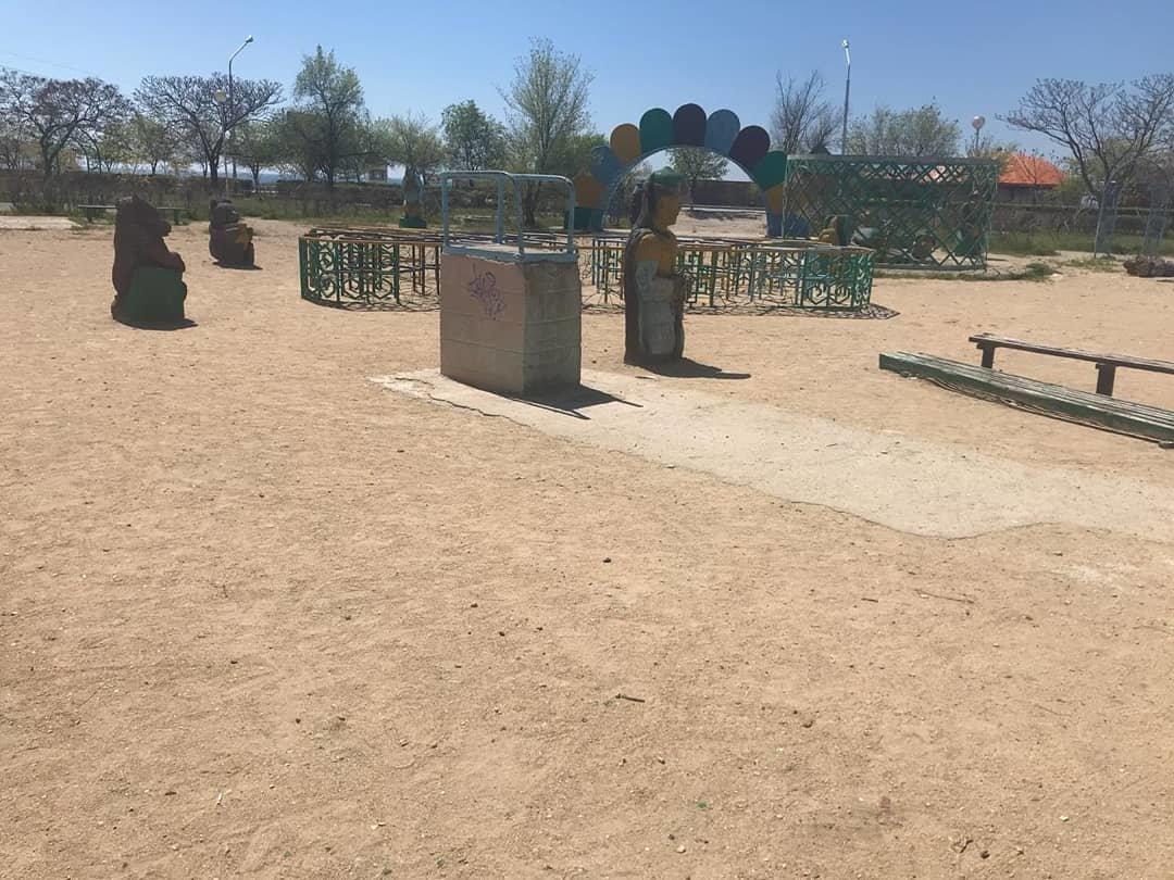 Детскую площадку за счет депутата установили в Актау, фото-5
