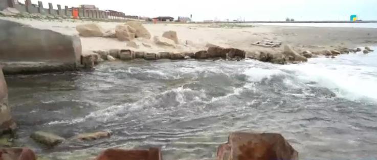 Грязная вода на водосбросе Актау: экологи нашли виноватых, фото-1