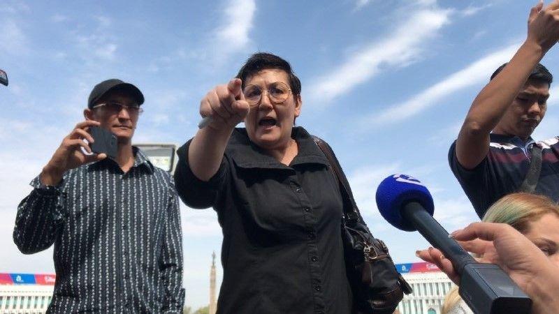Жители Алматы вышли к акимату в поддержку жанаозенцев, фото-2