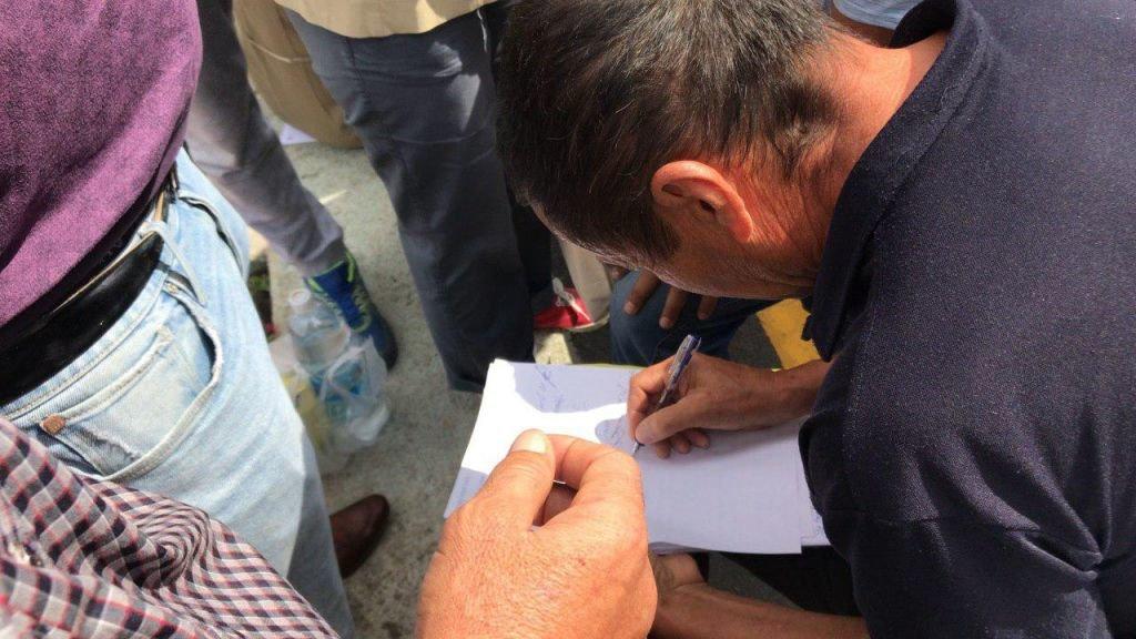 Жители Алматы вышли к акимату в поддержку жанаозенцев, фото-5