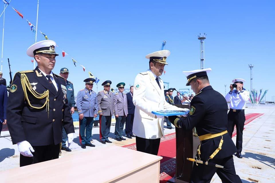 """Военный корабль """"Нұр-Сұлтан"""" спустили на воду в морпорту Актау, фото-1"""