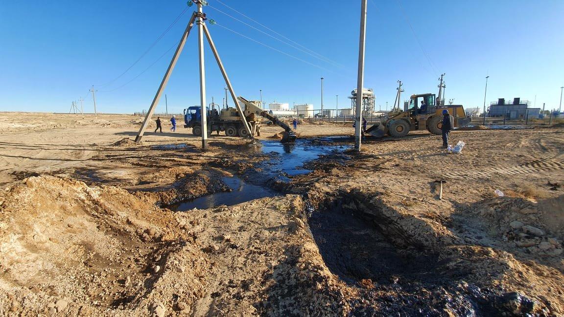 """Порыв нефтепровода произошел на месторождении """"Жетыбай"""", фото-9"""