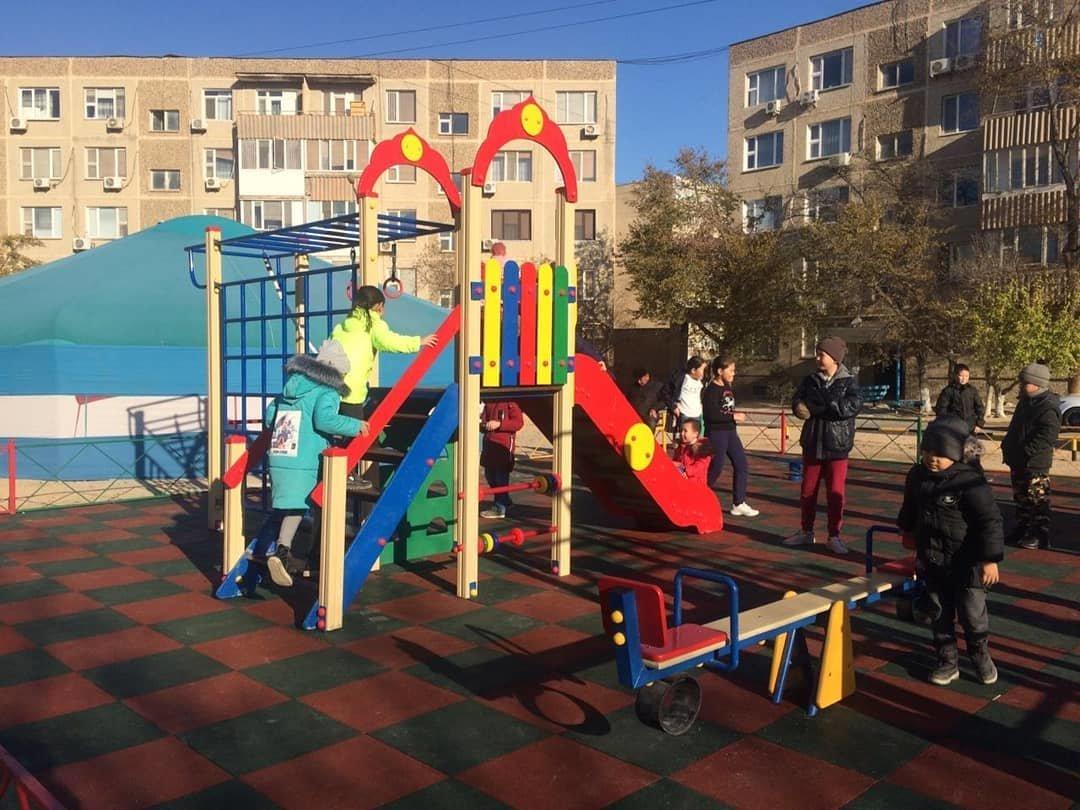 Три новые детские площадки построили в Актау , фото-1
