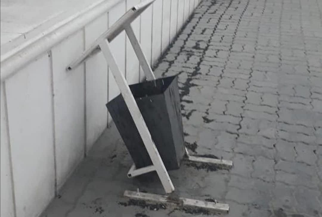 Вандалы снова разгромили набережную и сквер Победы в Актау, фото-4