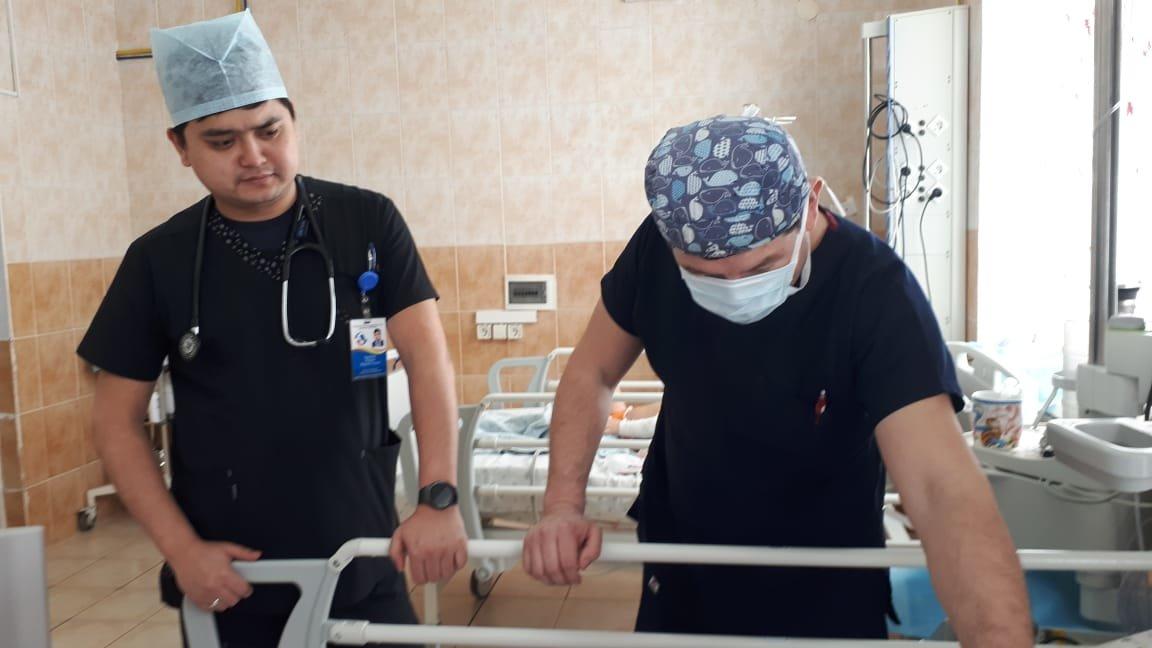 В Актау врачи спасли семилетнюю девочку после страшного ДТП, фото-2