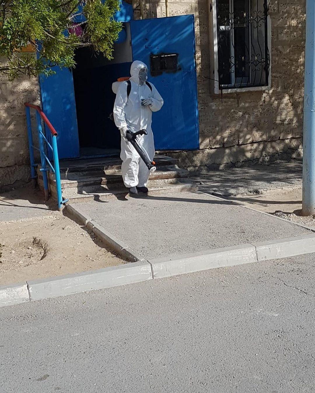 В Жанаозене с одного из изолированных подъездов сняли карантин, фото-1