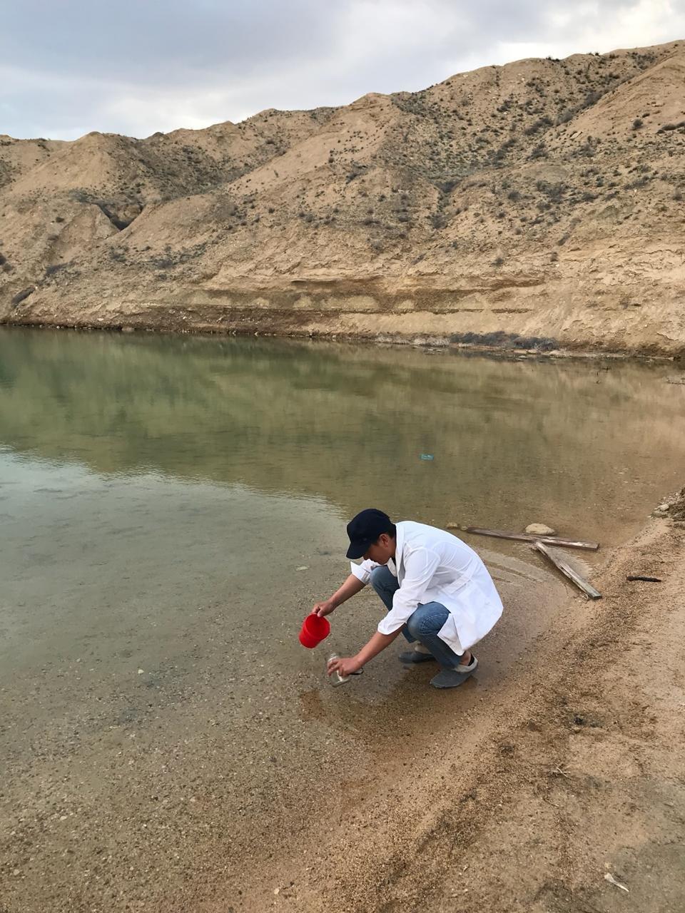 """Озеро у месторождения """"Меловое"""" может представлять опасность для здоровья людей, фото-1"""