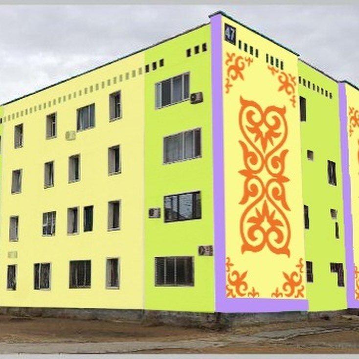 В Жанаозене раскрашивают дома в яркие цвета, фото-1