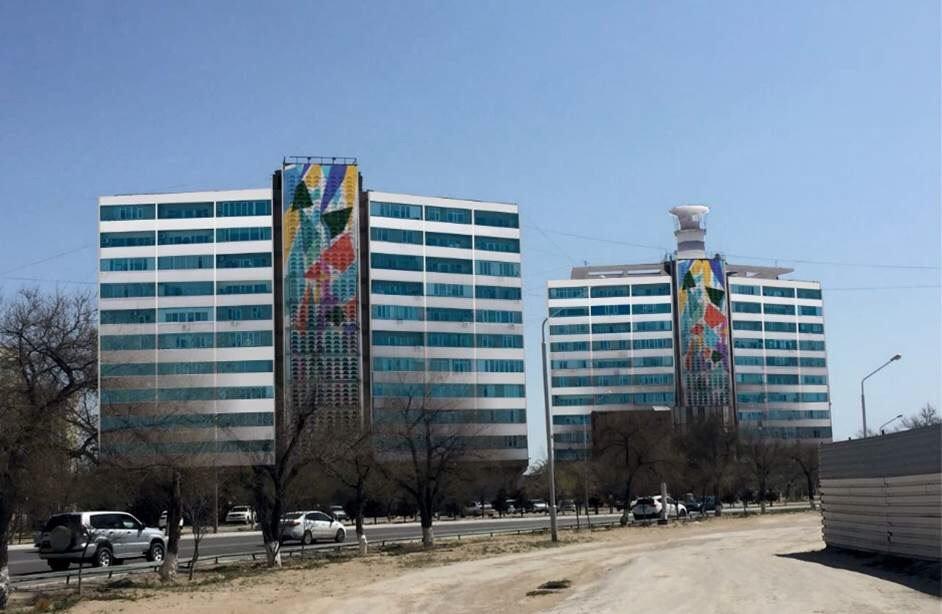 В Актау начаты работы по покраске фасадов многоэтажных жилых домов, фото-4