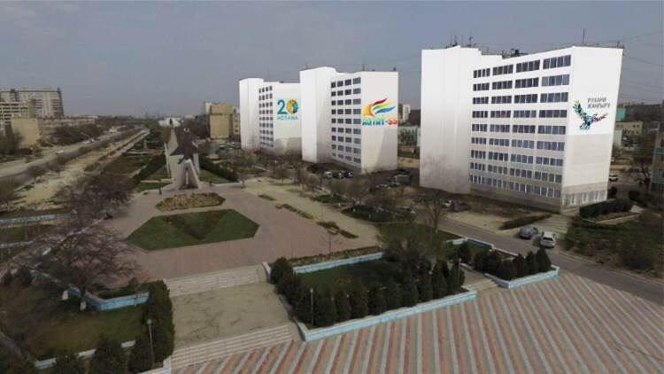 В Актау начаты работы по покраске фасадов многоэтажных жилых домов, фото-3