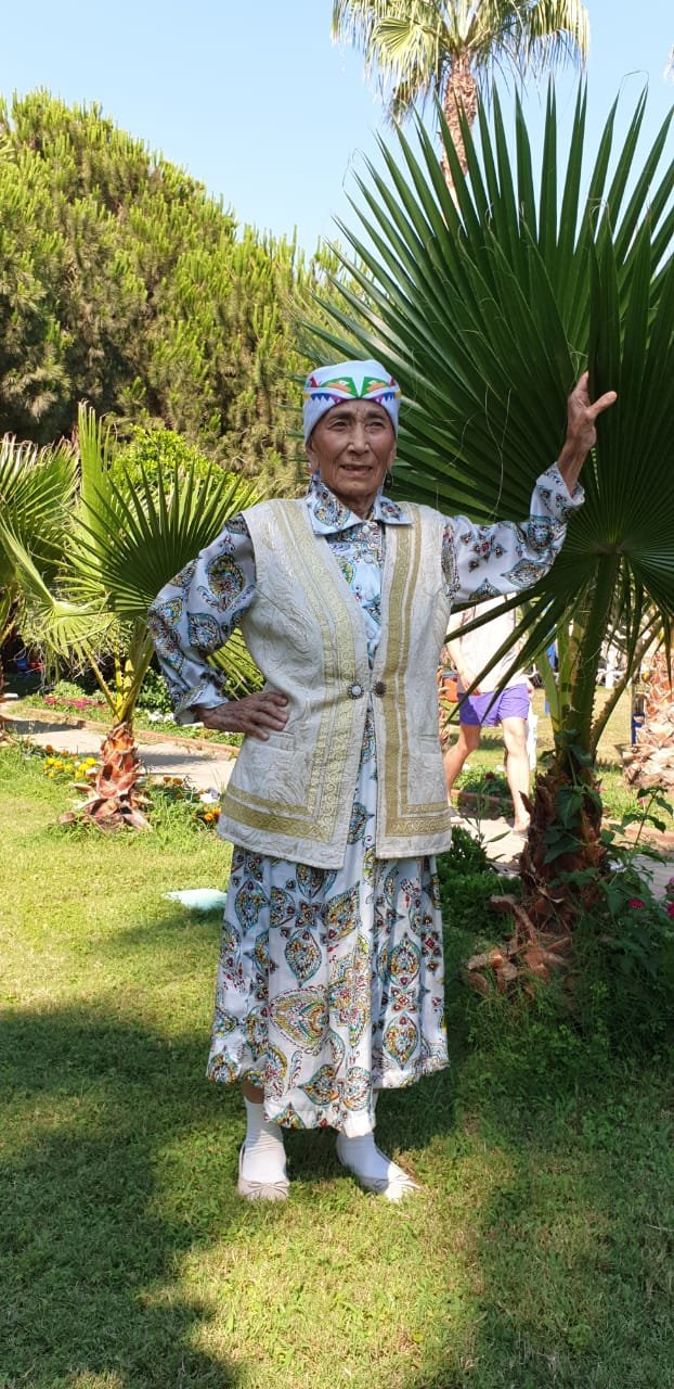 Бабушка-экстремал из Жанаозена покорила пользователей Сети, фото-1