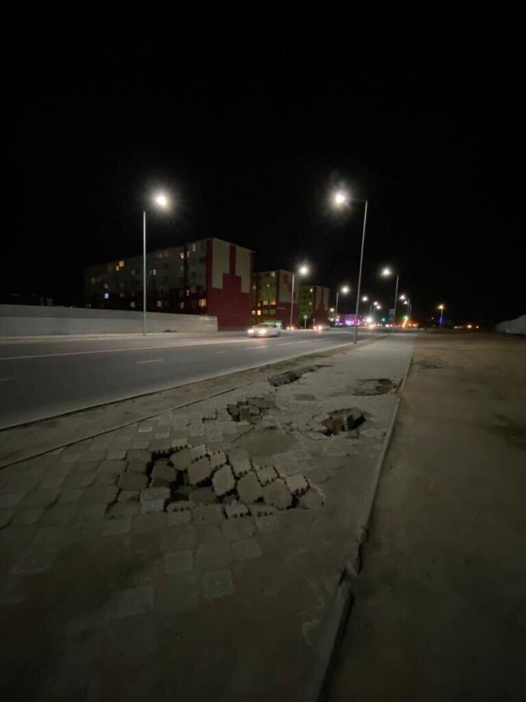 В Актау просела плитка новой пешеходной дорожки  , фото-7