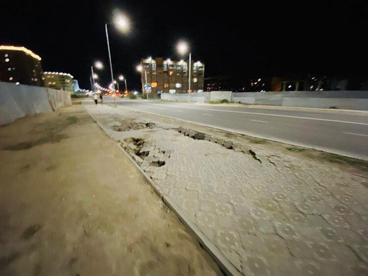 В Актау просела плитка новой пешеходной дорожки  , фото-5