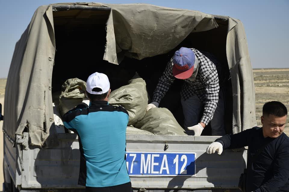 Чистый регион: сотрудники судов Актау убирали улицы, фото-1