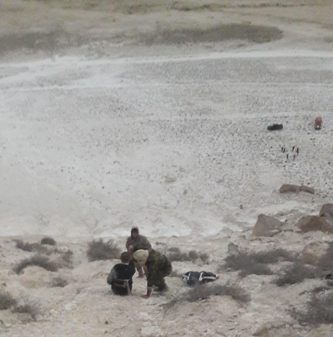 В Мангистау планировавший на дельтаплане мужчина упал в обрыв и сломал руки, фото-5