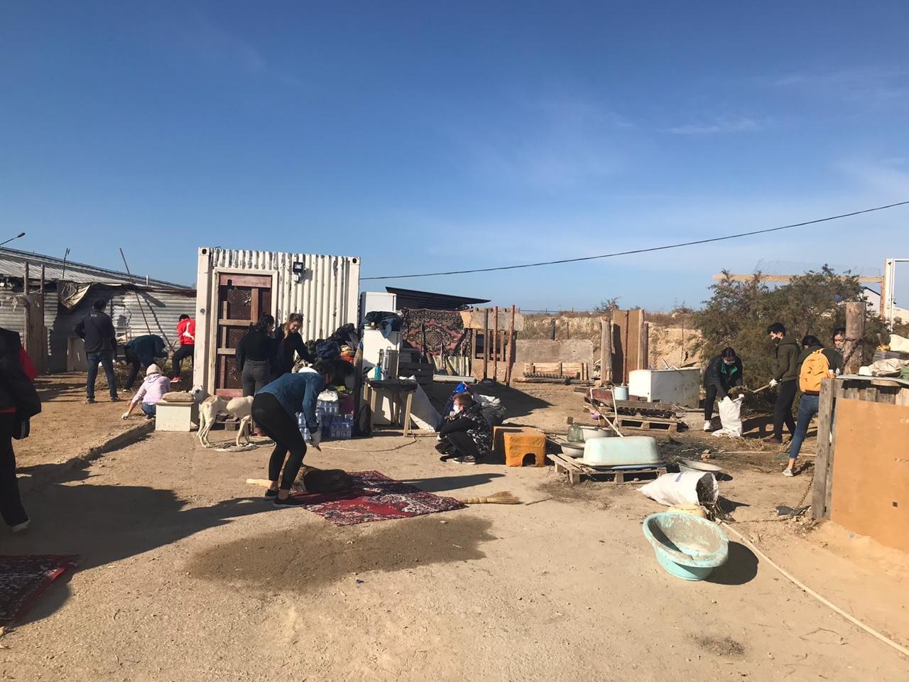 """В Актау волонтеры вывезли два """"КАМАЗа"""" с мусором из Центра временной передержки животных, фото-5"""