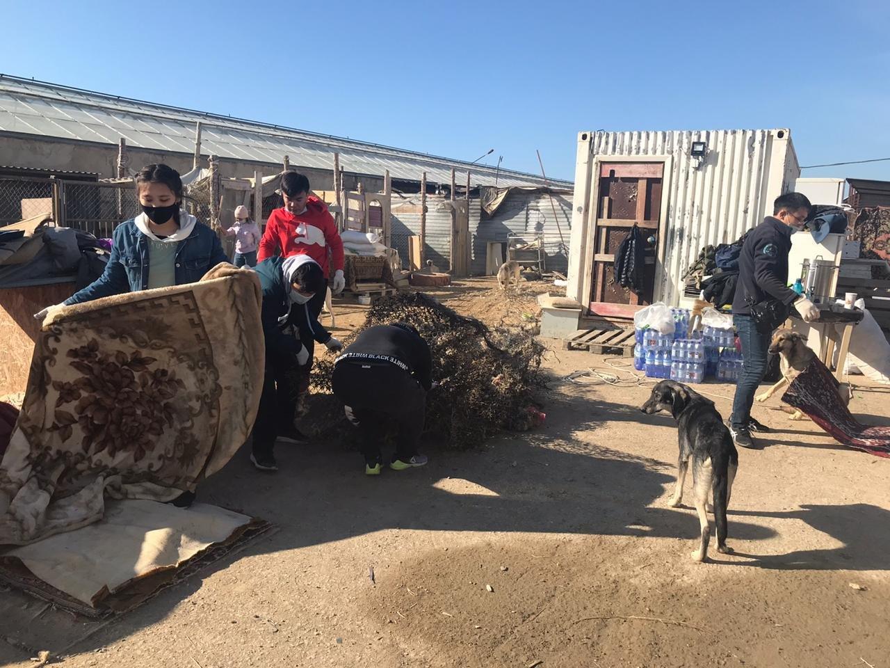 """В Актау волонтеры вывезли два """"КАМАЗа"""" с мусором из Центра временной передержки животных, фото-2"""