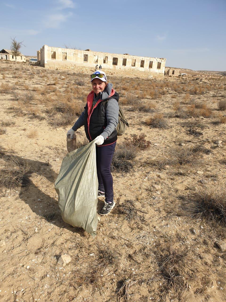 Около 70 мешков мусора собрали волонтеры в ущелье Саура, фото-3