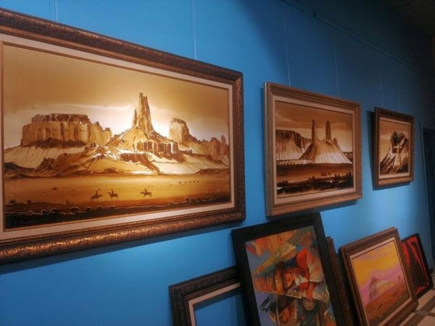 Художники в Актау рисуют пейзажи нефтью, фото-2